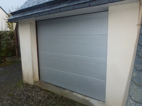 Menuisier agencement int rieur et ext rieur au pays de for Porte de garage fame